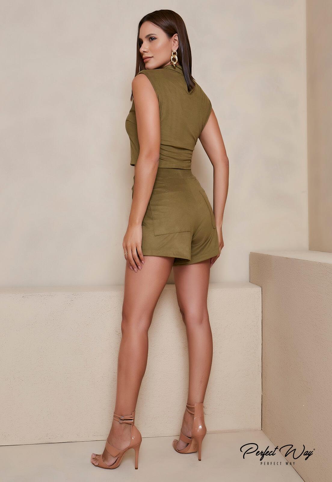 conjunto de cropped + shorts  PERFECT WAY
