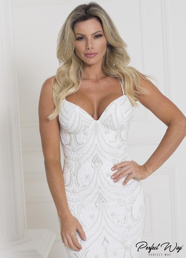 vestido curto de renda com frente bordada PERFECT WAY